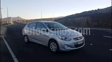 Hyundai Accent HB 1.4L GL Full usado (2015) color Plata precio $5.800.000