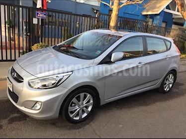Hyundai Accent 1.6 GL Aut usado (2017) color Plata precio $7.590.000