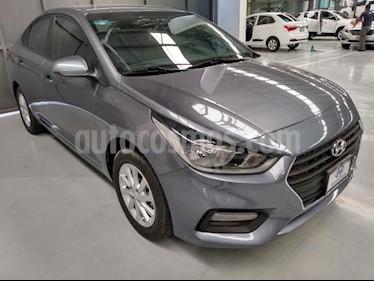 foto Hyundai Accent 4P GL MID 1.6L AT A/AC. VE DEL. CAMARA REVERSA RA usado (2018) color Gris precio $208,000