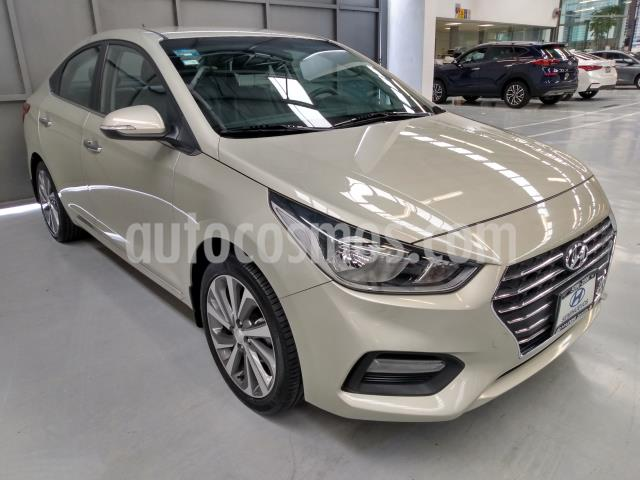Hyundai Accent 4P GLS 1.6L TA A/AC AUT. VE PIEL RA-17 usado (2018) color Beige precio $219,900