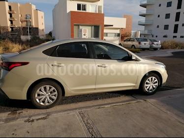 Hyundai Accent GL Mid Aut usado (2018) color Champagne precio $195,000