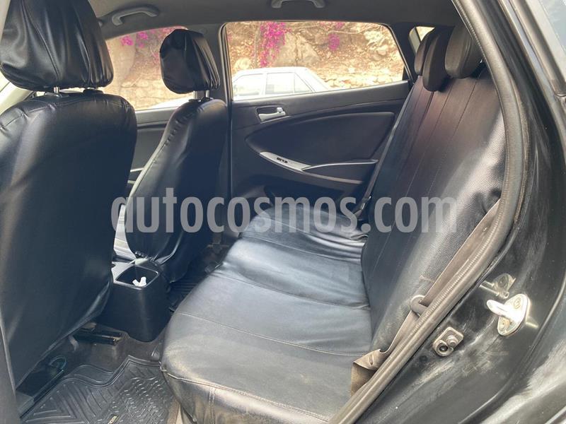 Hyundai Accent GL Sport Aut  usado (2015) color Negro Phantom precio $10,800