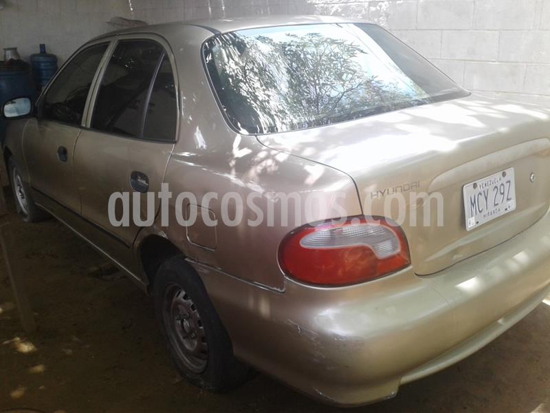 Hyundai Accent LS 1.5 Auto. usado (2002) color Gris precio BoF700