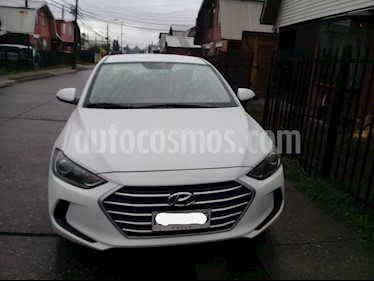 Hyundai Elantra 1.6 GLS  usado (2017) color Blanco precio $8.450.000