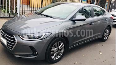 Hyundai Elantra 1.6L AD Premium  usado (2017) color Gris precio $8.800.000
