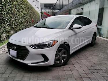 Foto venta Auto usado Hyundai Elantra 4p GLS L4/2.0 Man (2018) color Blanco precio $239,000