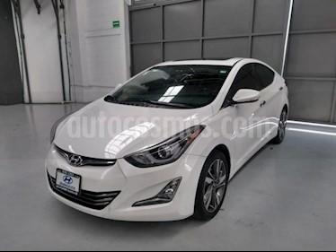 Foto Hyundai Elantra 4p Limited Tech L4/1.8 Aut usado (2015) color Blanco precio $220,000