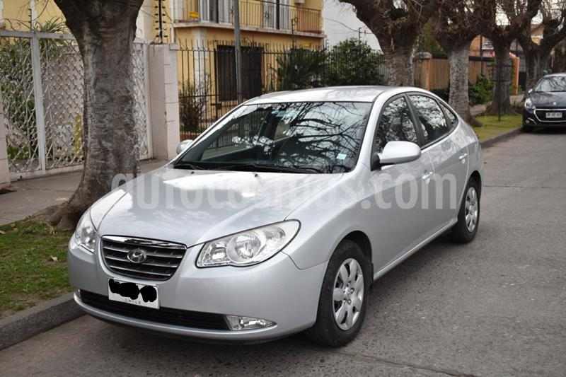 Hyundai Elantra 1.6 GLS  usado (2009) color Plata precio $4.500.000