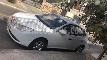 Hyundai Elantra 1.6 Ac  usado (2011) color Blanco precio u$s12.700