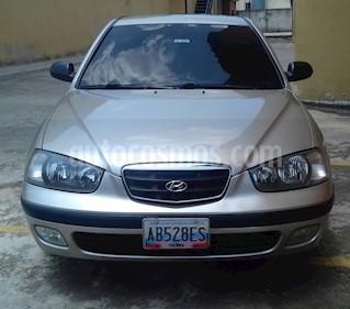 Foto venta carro usado Hyundai Elantra GL 1.6L Aut (2006) color Arena precio u$s4.200