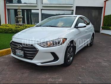 Foto venta Auto usado Hyundai Elantra GLS Aut (2017) color Blanco precio $210,000
