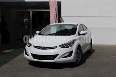 Foto venta Auto usado Hyundai Elantra GLS Aut (2016) color Blanco precio $195,000