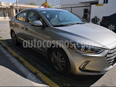 Hyundai Elantra GLS Premium Aut usado (2017) color Gris precio $232,000