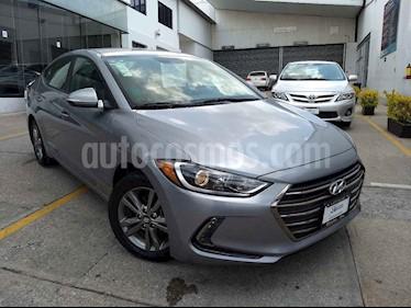 Foto venta Auto usado Hyundai Elantra GLS Premium Aut (2017) color Plata precio $203,000