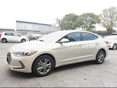 Foto venta Auto usado Hyundai Elantra GLS Premium Aut (2018) color Bronce precio $268,000