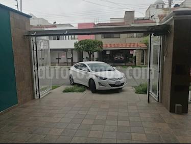 Hyundai Elantra GLS Premium Aut usado (2015) color Blanco precio $180,000