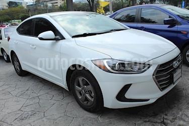 Foto venta Auto usado Hyundai Elantra GLS (2017) color Blanco precio $219,000