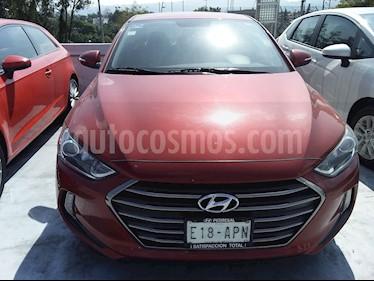 Foto Hyundai Elantra GLS usado (2017) color Rojo precio $195,000