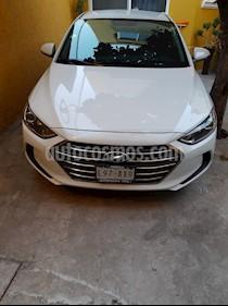 Foto Hyundai Elantra GLS usado (2018) color Blanco precio $260,000