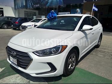 foto Hyundai Elantra GLS usado (2018) color Blanco precio $232,000