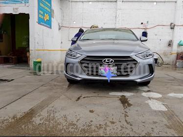 Hyundai Elantra GLS usado (2017) color Gris precio $195,000