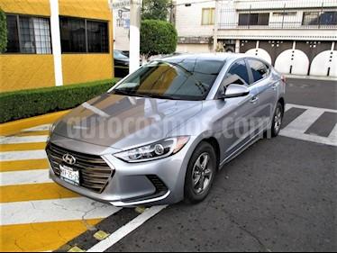 Foto Hyundai Elantra GLS usado (2017) color Plata precio $199,900
