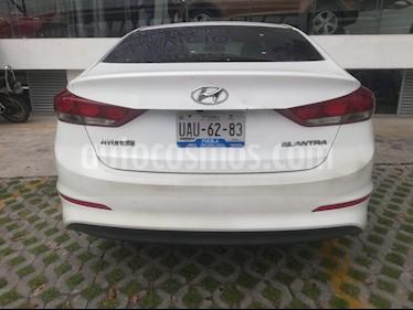 Foto venta Auto Seminuevo Hyundai Elantra GLS (2017) color Blanco precio $222,000