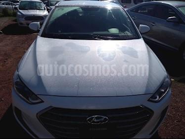 Foto venta Auto Seminuevo Hyundai Elantra GLS (2017) color Blanco precio $225,000