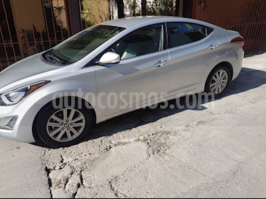 Hyundai Elantra Limited Aut usado (2015) color Plata precio $192,000