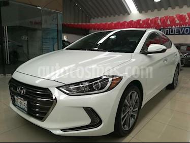 Foto venta Auto Seminuevo Hyundai Elantra Limited Aut (2018) color Blanco precio $299,000
