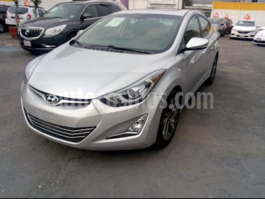 Foto venta Auto Seminuevo Hyundai Elantra Limited Aut (2015) color Plata precio $198,000