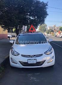 Hyundai Elantra Limited Tech Aut usado (2015) color Blanco precio $175,000