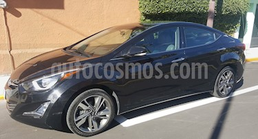 Hyundai Elantra Limited Tech Aut usado (2015) color Negro precio $185,000