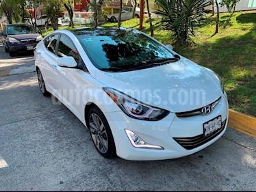 Hyundai Elantra Limited Tech Aut usado (2015) color Blanco precio $185,000