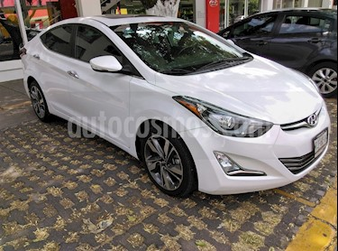 Foto venta Auto usado Hyundai Elantra Limited Tech Aut (2015) color Blanco precio $199,000
