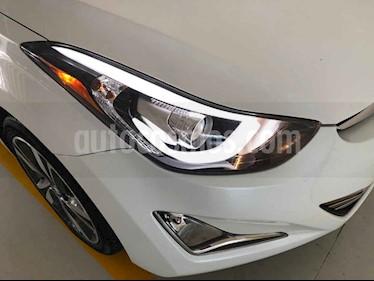 Foto venta Auto usado Hyundai Elantra Limited Tech Aut (2015) color Blanco precio $220,000