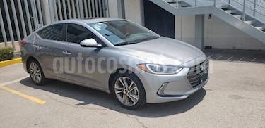Hyundai Elantra Limited Tech Navi Aut usado (2017) color Gris precio $255,000