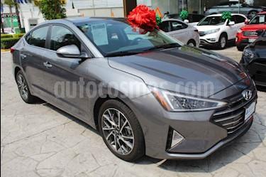 Foto Hyundai Elantra Limited Tech Navi Aut usado (2019) color Plata precio $378,000