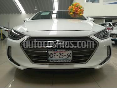 Foto venta Auto usado Hyundai Elantra Limited Tech Navi Aut (2017) color Blanco precio $249,000