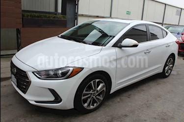 Foto venta Auto usado Hyundai Elantra Limited Tech Navi Aut (2017) color Blanco precio $265,000