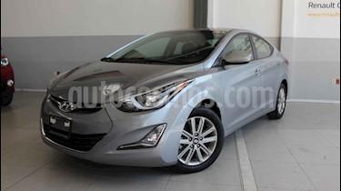 Hyundai Elantra 4p GLS Premium L4/1.8 Aut usado (2016) color Gris precio $195,000