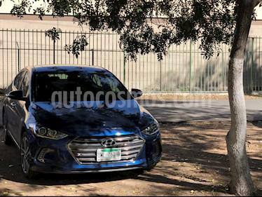 Hyundai Elantra Limited Tech Navi Aut usado (2017) color Azul precio $220,000