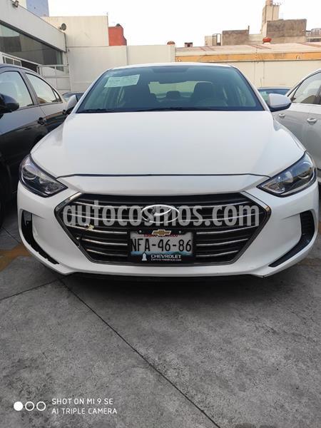Hyundai Elantra GLS usado (2018) color Blanco precio $172,000