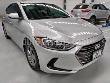 Hyundai Elantra 4P GLS 2.0L AT A/AC. RA-15 usado (2018) color Plata precio $228,000