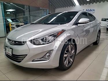 Hyundai Elantra 4p Limited Tech L4/1.8 Aut usado (2015) color Plata precio $195,000