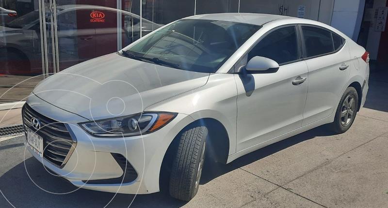 Hyundai Elantra GLS usado (2017) color Plata Dorado precio $198,000