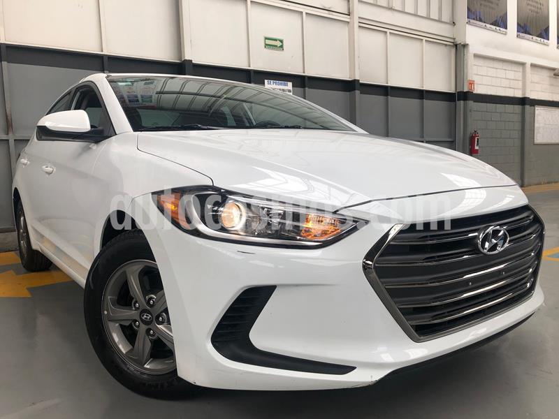 Hyundai Elantra GLS usado (2018) color Blanco precio $250,000