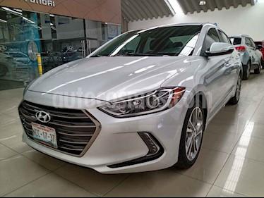 Hyundai Elantra 4p Limited Tech Navi L4/2.0 Aut usado (2017) color Plata precio $252,000