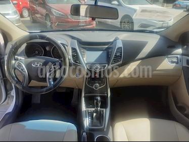 Hyundai Elantra Limited Tech Aut usado (2015) color Blanco precio $205,000