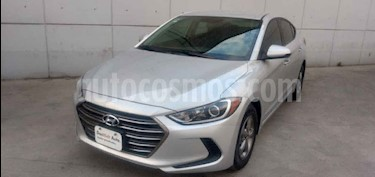 Hyundai Elantra 4p GLS L4/2.0 Man usado (2018) color Plata precio $195,000